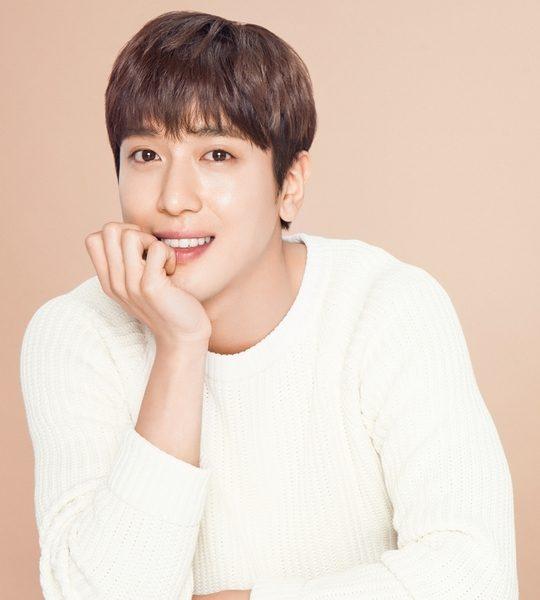 จองยงฮวา (Jung Yong Hwa) โชว์หน้าใสมาดโมเดลเฮลท์แคร์ ABOUT ME