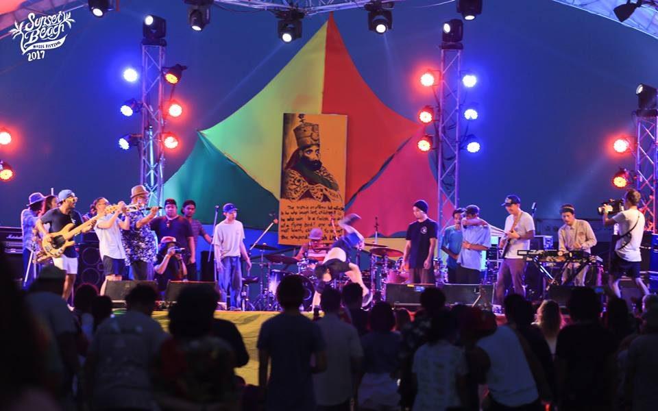 LOVEiS 12th SHARING ดนตรีการกุศล ศิลปินเก่าใหม่ร่วมงานกันคึกคัก