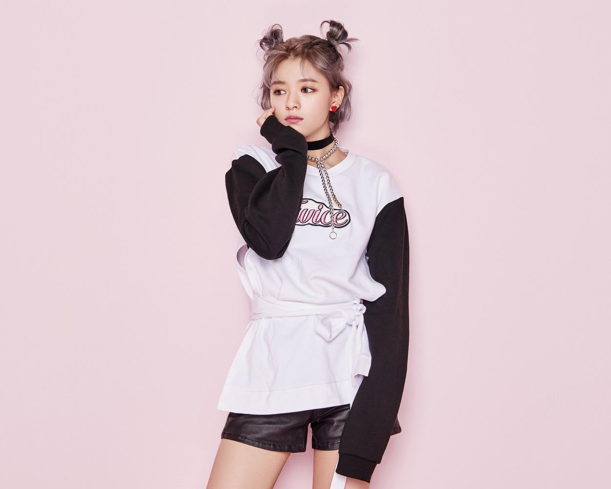 TWICE (3) – จองยอน (Jungyeon ชาวเกาหลี)