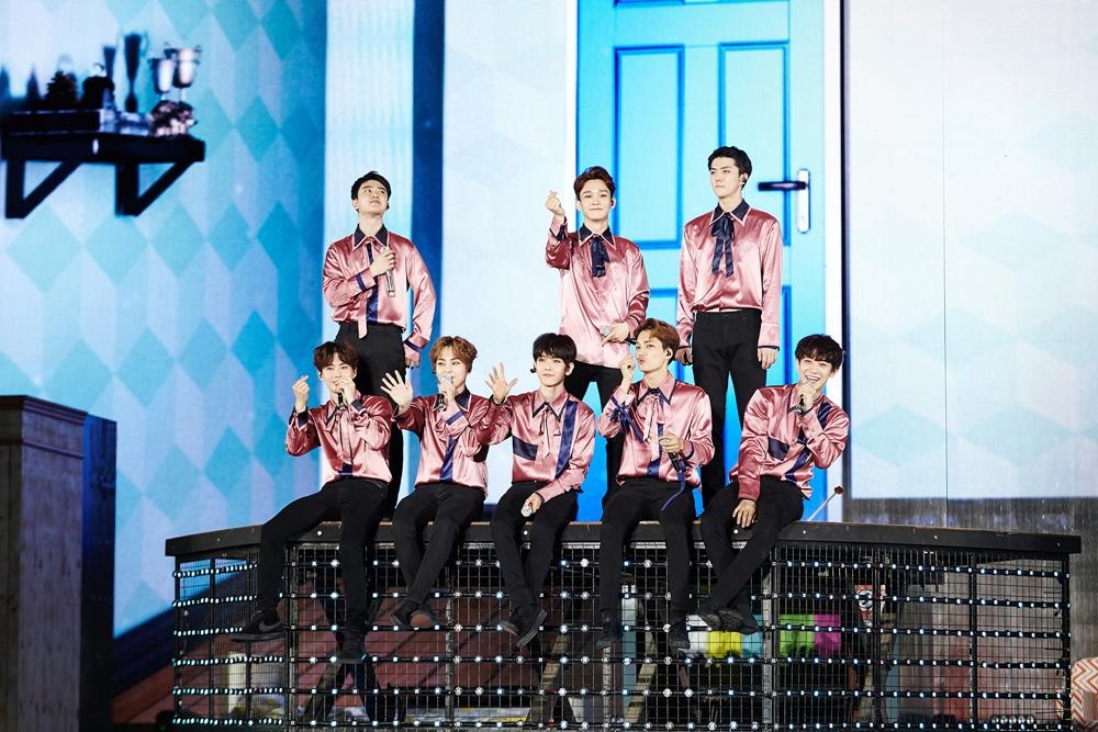 [EXO 2] EXO_Encore Concert 'EXO PLANET #3 – The EXO'rDIUM[dot] –'