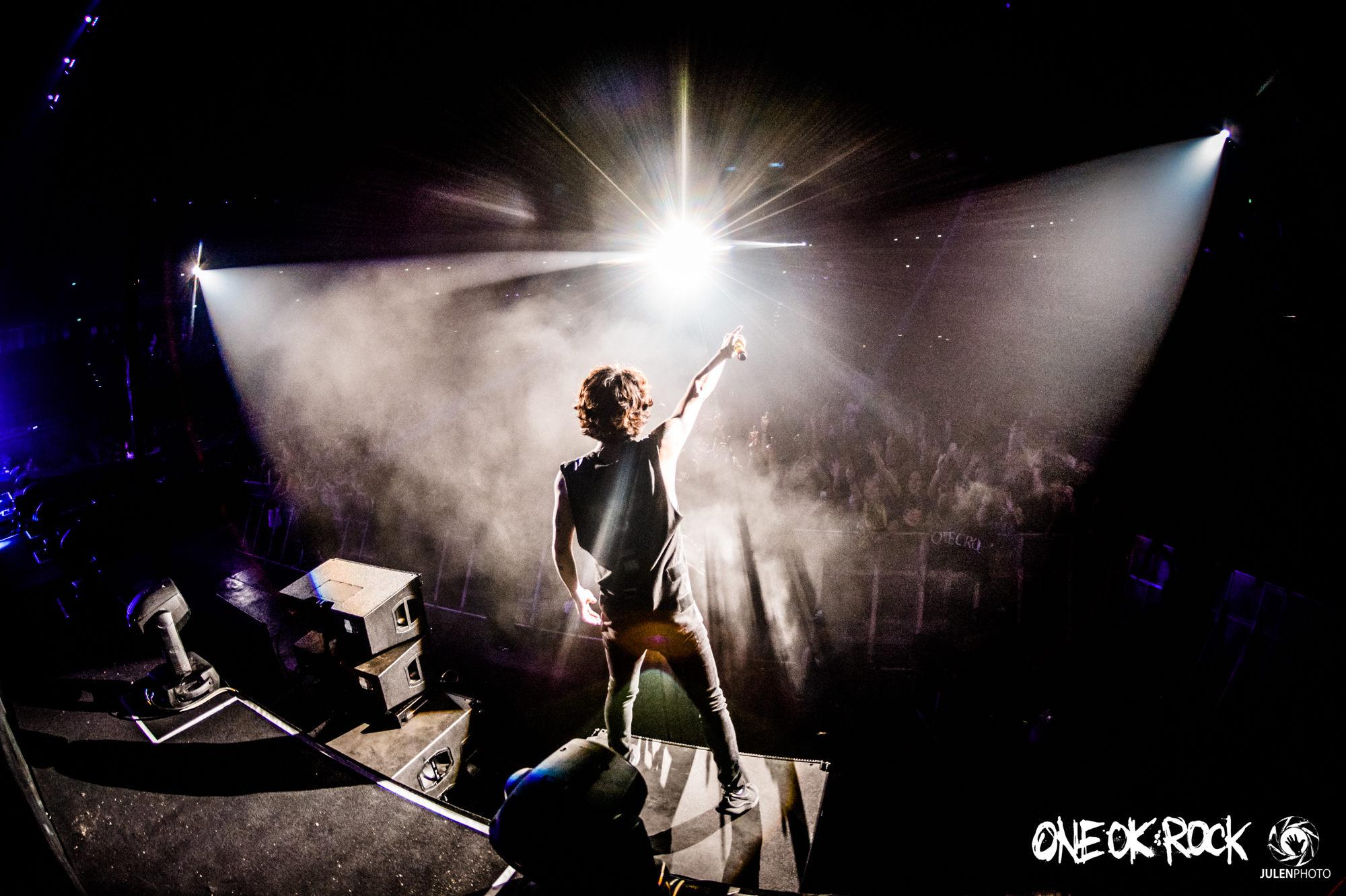 ONE-OK-ROCK-180118-Asia-Tour-Bangkok-Behind-Scenes-by-JulenPhoto-014