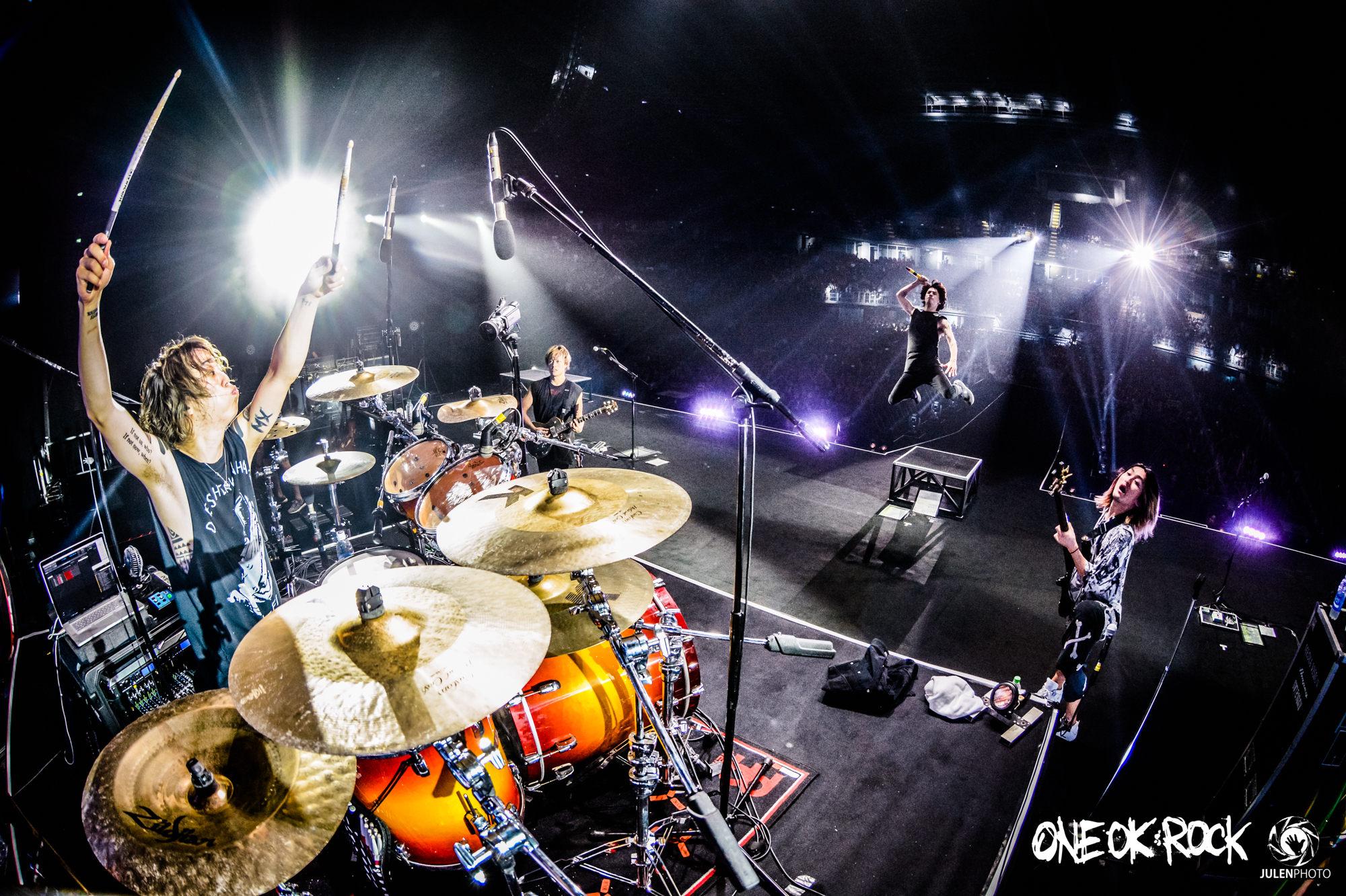 ONE-OK-ROCK-180118-Asia-Tour-Bangkok-Behind-Scenes-by-JulenPhoto-019