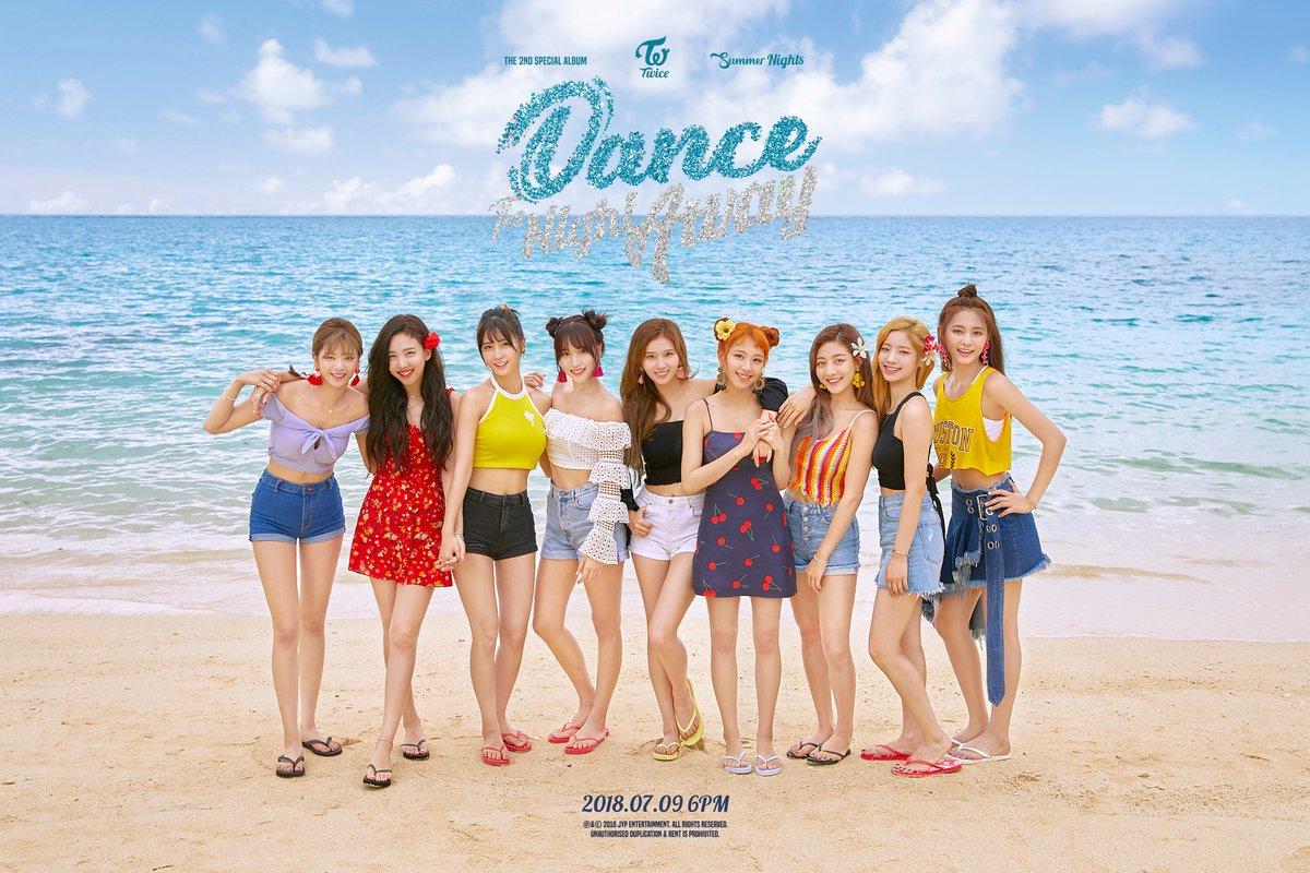 TWICE – Dance The Night Away (1)